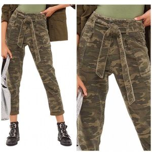 Camo Belted Paperbag Skinny Leg Tapered Pants NWT